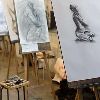The Art Room Membership website: life drawing easels